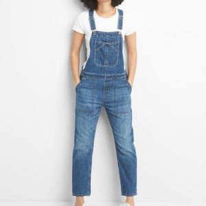 Gap relaxed fit women's overalls, size small Tall